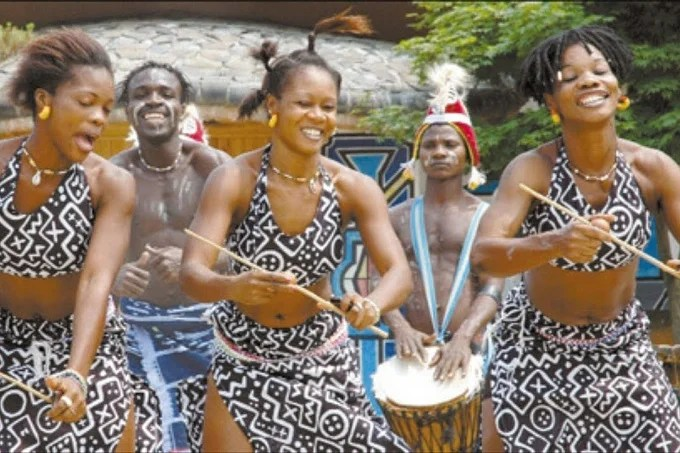 Mangambeu dance