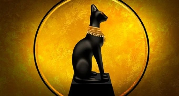 Egyptian idolized cat