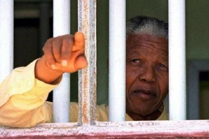 Why strangers may have similar memories: Nelson Mandela effect