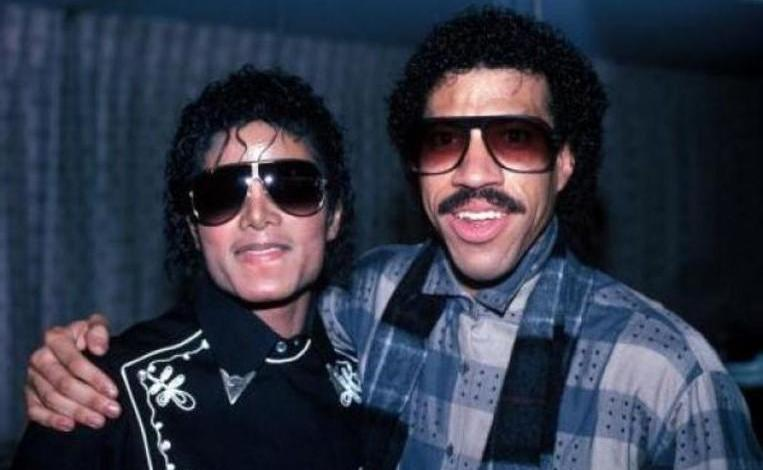 """Lionel Richie makes new version """"We Are The World"""""""