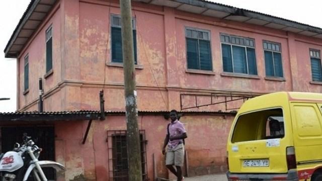 Fausse ambassade