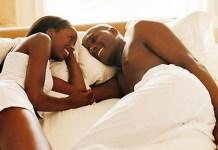 Pourquoi faire l'amour chaque jour? (5 raisons)