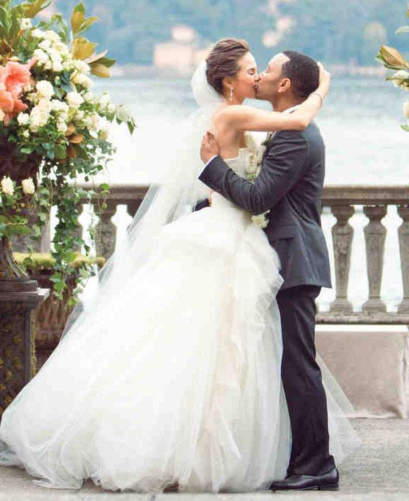 Chrissy Teigen Model Wedding Dress Vera Wang