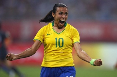 Marta of Brazil celebrates after her tea