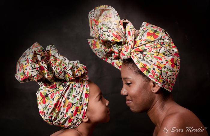 Fotografía de Sara Martín tomada durante el taller de turbante de Thaís Muniz organizado por Afroféminas.