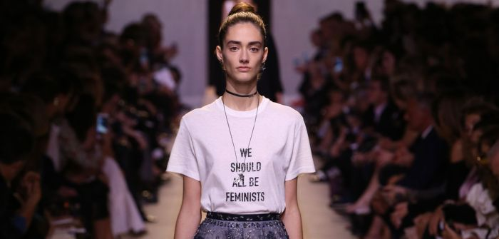le-crush-fashion-week-le-t-shirt-a-message-feministe-chez-dior_exact1900x908_l