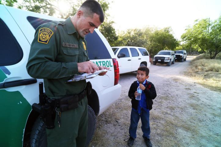 voc_immigration_illegal_children_usa_1_pic_child_nyt_25jun2014