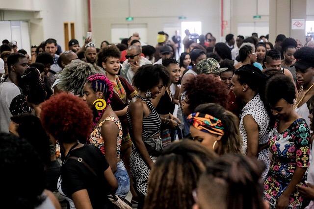 """Adriana Barbosa directora de Feira Preta: """"No podemos hablar de empoderamiento en las personas negras si no hablamos de dinero"""""""