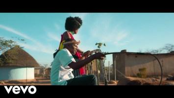 dj ganyani 8211 macucu banga ft sasi jozi official video D5fnXvFUzNY DJ Ganyani - Macucu Banga ft. Sasi Jozi (Official Video)