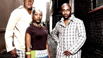 Mina Nawe - Njalo (Album 2006)