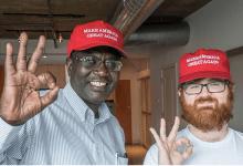 Photo of Donald Trump Invites Obama's Half-Brother  Malik to Final Debate