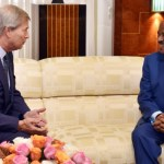 Cameroun: Bolloré demande pardon à Paul Biya, les raisons