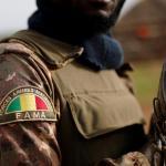 L'opposition malienne manifeste pour que l'armée ait de meilleurs moyens