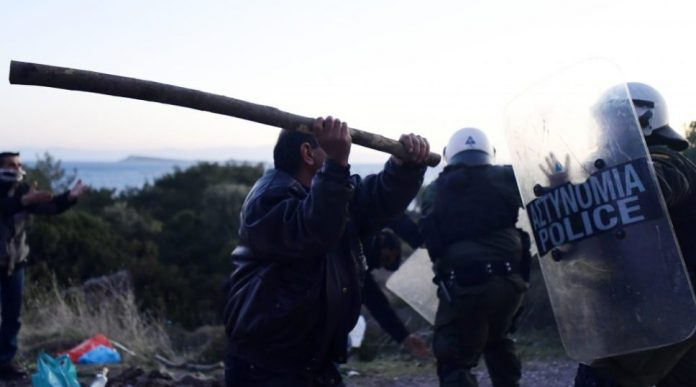 Migration Affrontements entre la police et les habitants des iles de Lesbos et Chios