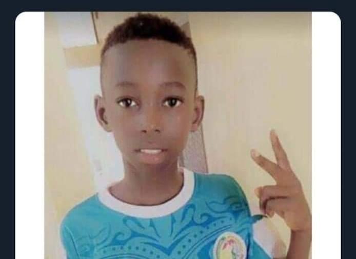 Un adolescent sénégalais de 14 ans, Doudou Faye, est mort mi-octobre dans une pirogue en partance vers les Canaries.