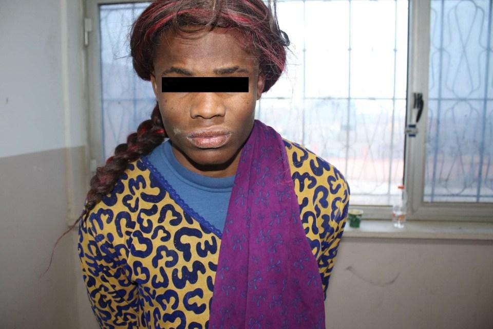 Un migrant Nigérian se déguise en femme pour s'échapper après avoir prétendument tué un autre étranger en Libye