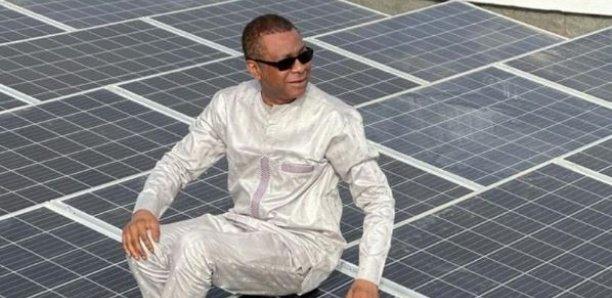 """Youssou Ndour installe 365 panneaux solaires et milite pour des prêts """"vert"""""""
