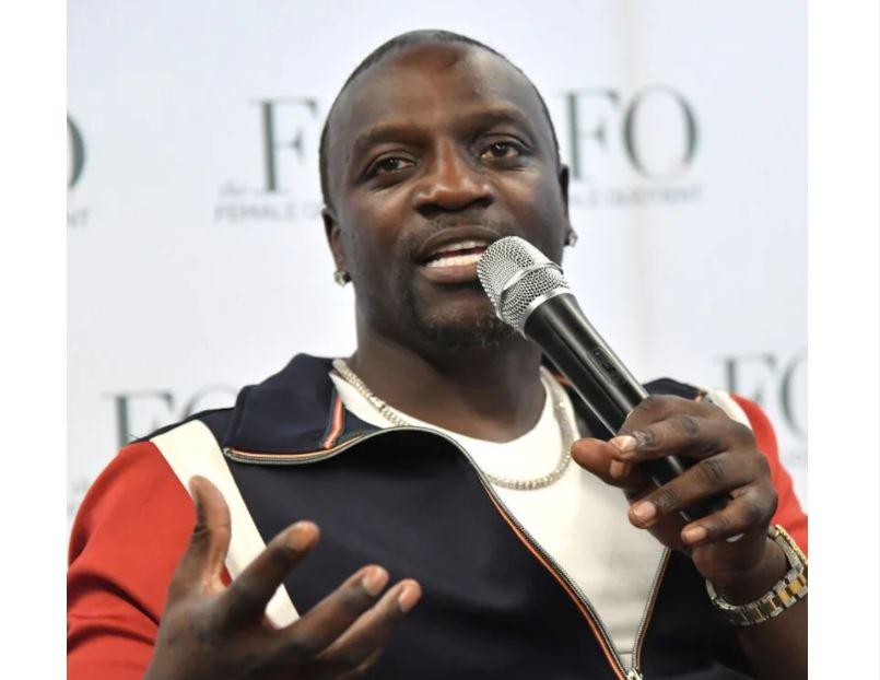 """""""J'étais plus heureux quand j'étais pauvre"""", insiste Akon après avoir été appelé pour commenter la mort de Michael K Williams sur la richesse"""