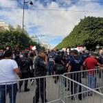 Tunisie: Manifestation contre les décisions de Saied à l'avenue Habib Bourguiba (Vidéos)