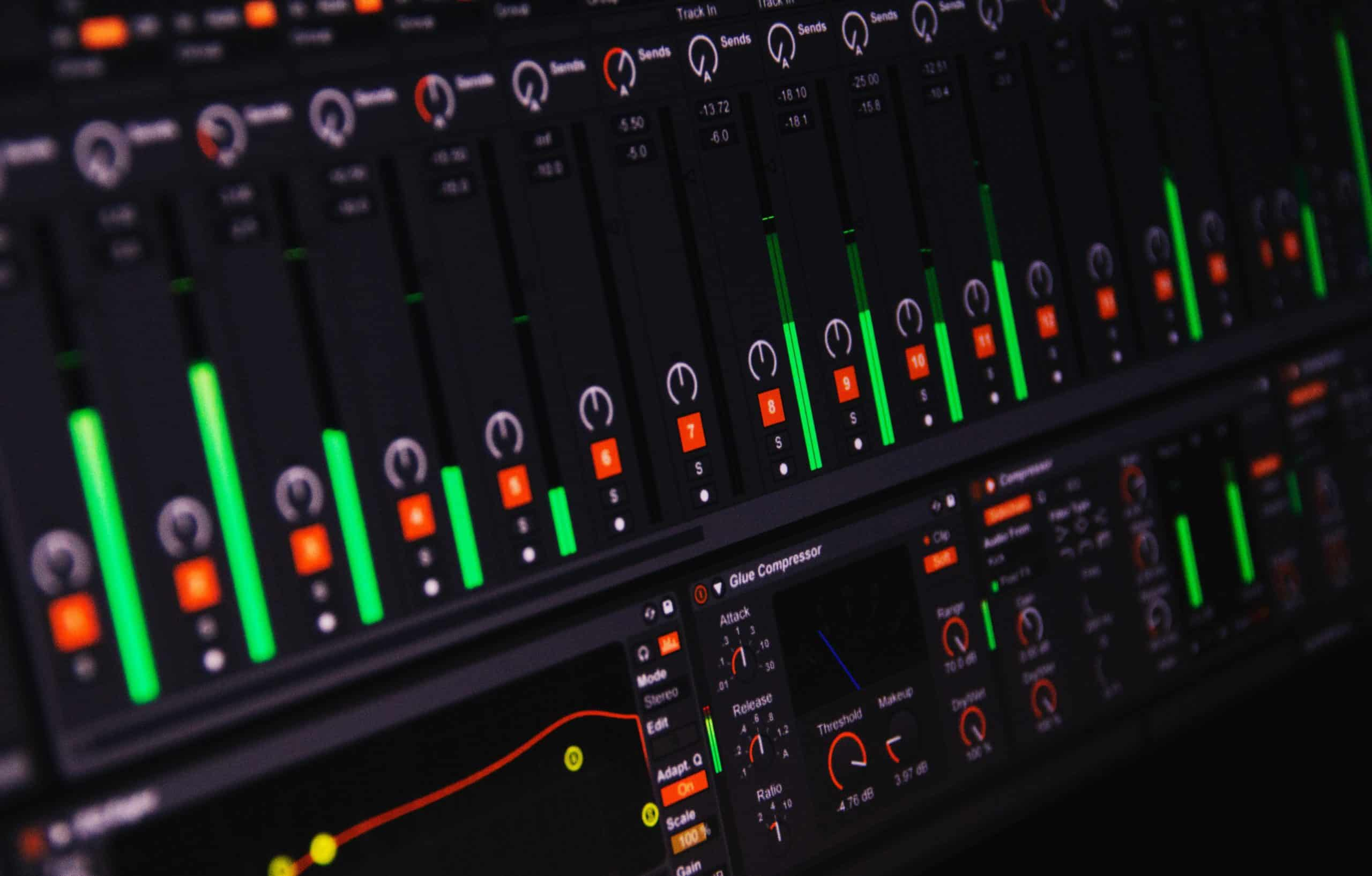 Equipboard : the website that lets you know which plugins VST, DAWs and equipments, your favorite music producer is using