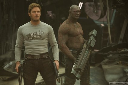 Guardians Of The Galaxy Vol. 2 L to R: Star-Lord/Peter Quill (Chris Pratt) and Drax (Dave Bautista) Ph: Chuck Zlotnick ©Marvel Studios 2017