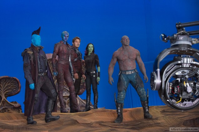 Marvel's Guardians Of The Galaxy Vol. 2 L to R: Michael Rooker (Yondu), Karen Gillan (Nebula), Chris Pratt (Star-Lord), Zoe Saldana (Gamora) and Dave Bautista (Drax) on set. Ph: Chuck Zlotnick © 2016 MVLFFLLC. TM & © 2016 Marvel. All Rights Reserved.