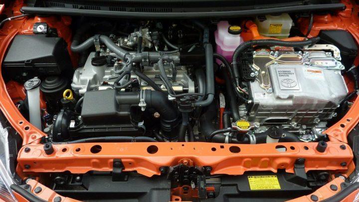 Hybridfahrzeug - Motorraum