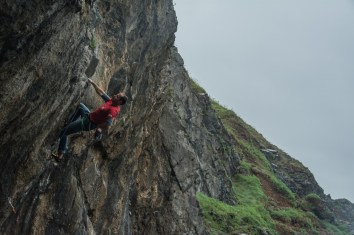 Chris Weedon working the moves on a very wet 7a, Foxhole.