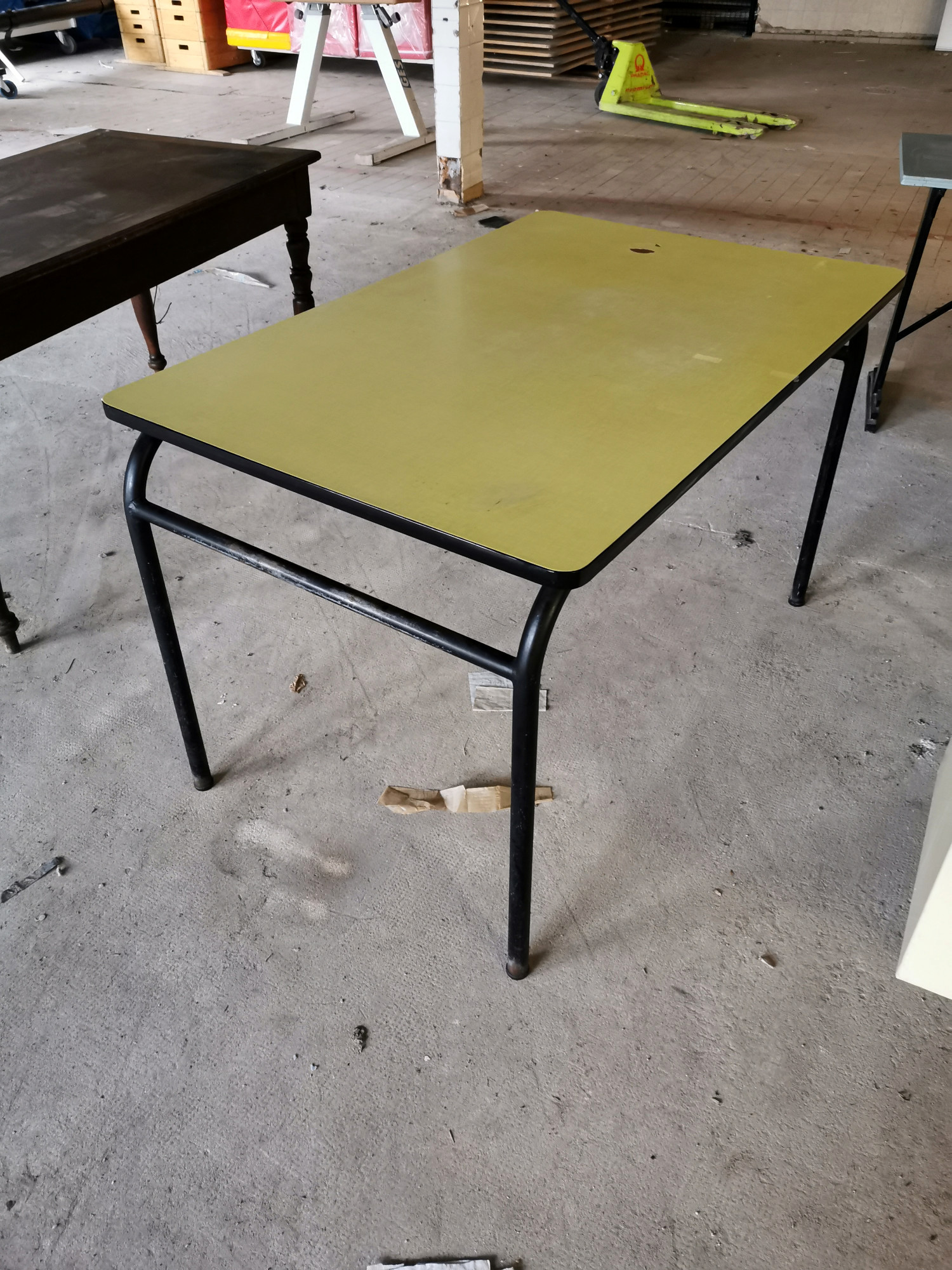 table formica jaune table d occasion
