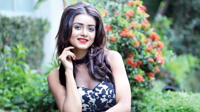 Bangladeshi Hot Model & Actress Tanjin Tisha 29