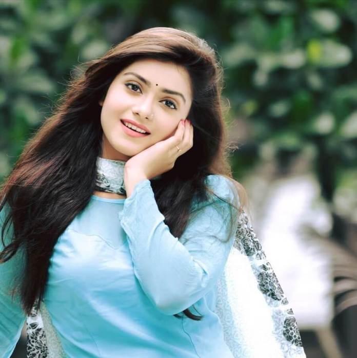 Bangladeshi Hot Model & Actress Tanjin Tisha 10