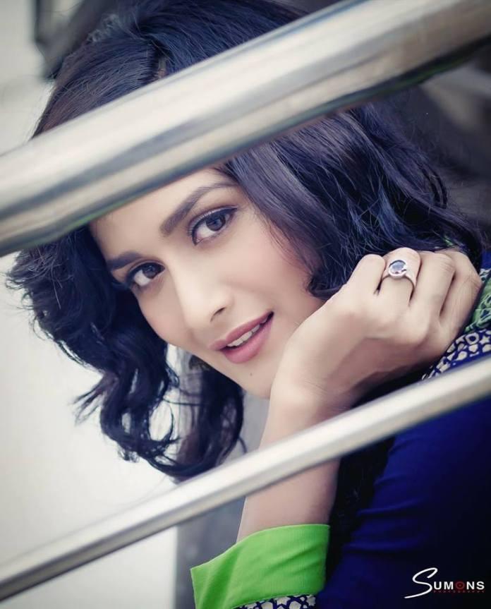 Nadia Nodi Bangladeshi Model & Actress 33