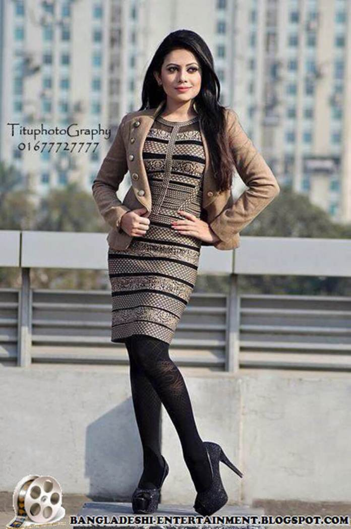 Azmeri Sultana Asha Latest Photos & Bio 15