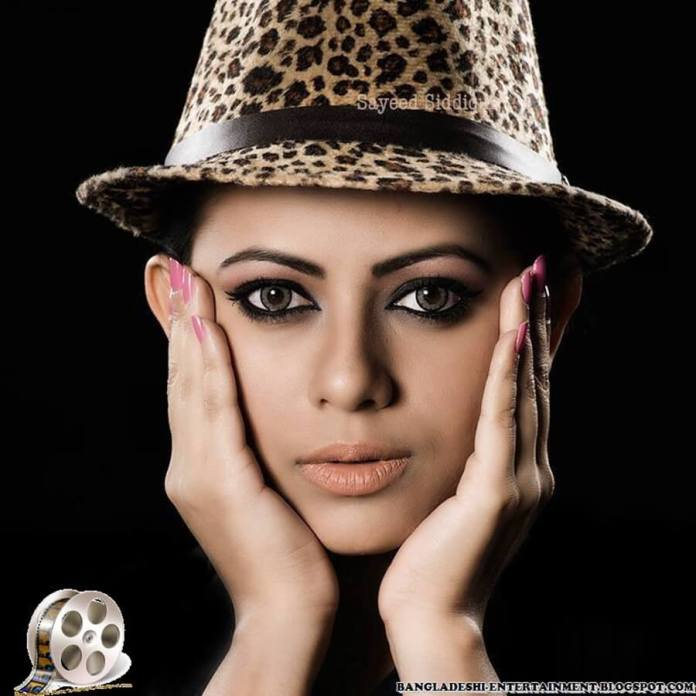Azmeri Sultana Asha Latest Photos & Bio 17