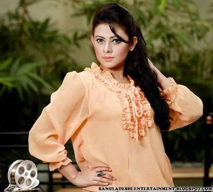 Azmeri Sultana Asha Latest Photos & Bio 3