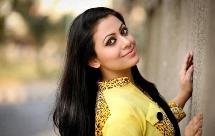 Azmeri Sultana Asha Latest Photos & Bio 1