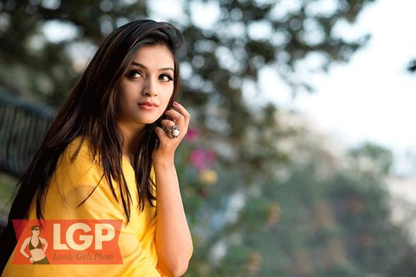 Bangladeshi Model & Actress Sharlina Hossain 36