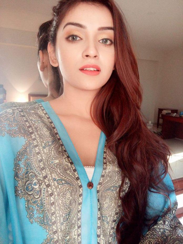 Bangladeshi Model & Actress Sharlina Hossain 8