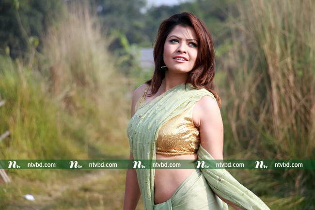 Tasnuva Elvin Latest Images and Short Biography 18