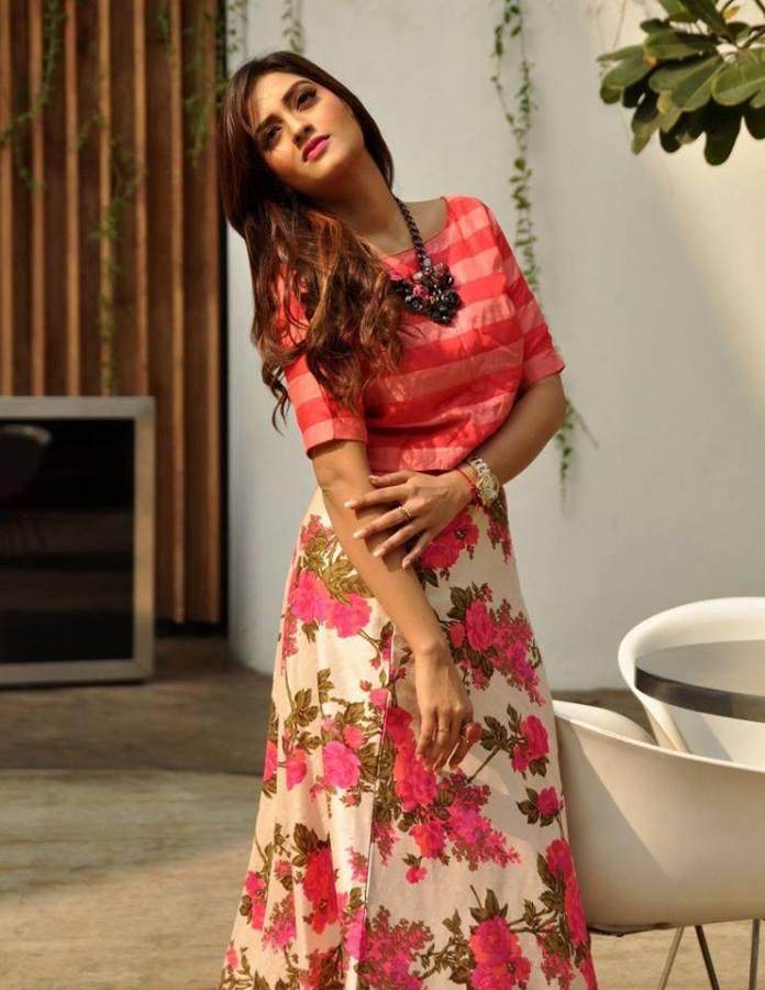 Nusrat Jahan - Kolkata Film Actress Bio & Best Images 8