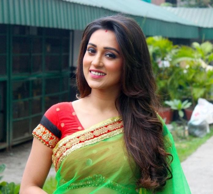 Mimi Chakraborty Bangali Actress & Model Short Biography & Pictures 1