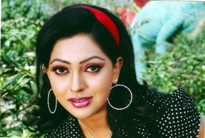 Bangladeshi Actress Nipun Akter Biography & Pictures 1