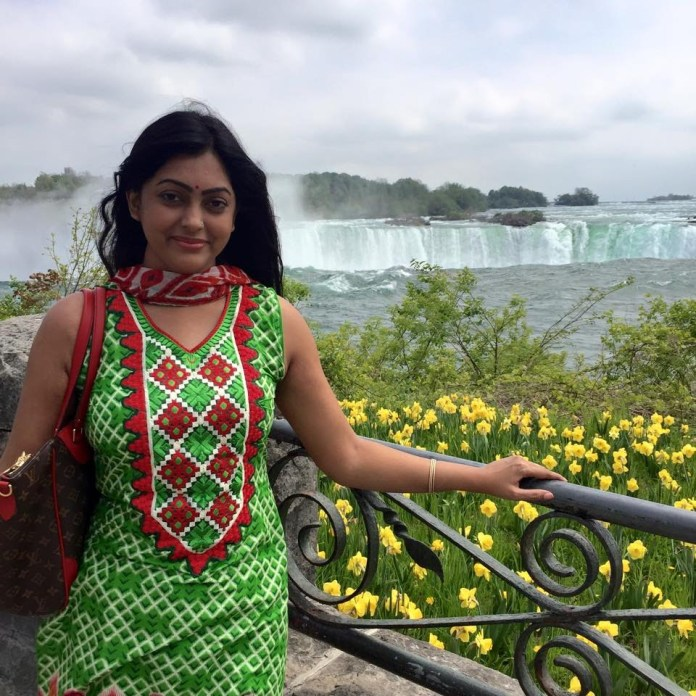 Bangladeshi Actress Nipun Akter Biography & Pictures 5