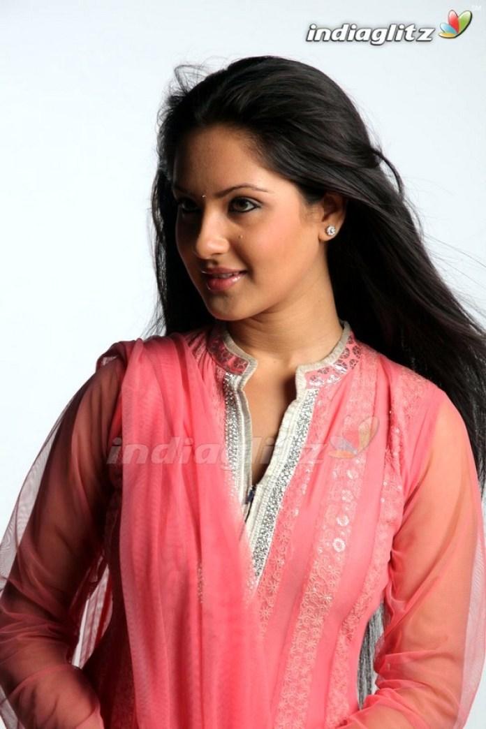 Bengali Actresses Pooja Bose Short Biography & Pictures 12