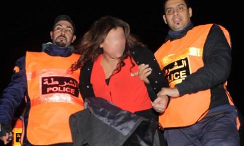أكادير: المخدرات والمؤثرات العقلية تقود طالبة جامعية إلى الإعتقال وسط المحطة الطرقية، وتجر معها شابان آخران إلى الزنزانة.