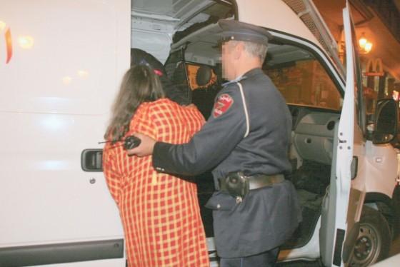 محاكمة امرأة نصبت على وكالات بنكية في ربع مليار