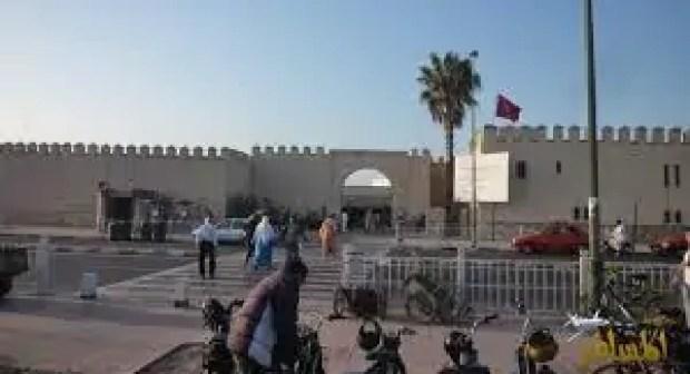 تجار سوق الأحد وأرباب المطاعم ذات الصبغة السياحية والبازارات بأكادير يشلون الحركة التجارية، يومي 17و18يناير2017، احتجاجا على  القرار الجبائي الجديد للبلدية.