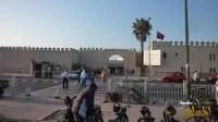 """خروقات أخرى تطال سوق الأحد بأكَادير،بعد استبدال محلات صغرى بجناح الدجاج بأخرى كبرى بملحقة""""ملعب ديدي""""بطرق مشبوهة."""