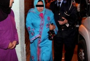 إنفراد: مصالح الأمن بأولاد تايمة تعتقل والدة الشاب الذي قتل عشيقها، والقضية تكشف عن مفاجأة غير متوقعة