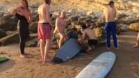 عااجل بأكادير وبالصور:سياح دانماركيون ينقذون ثلاثة أطفال من الغرق بشاطئ تغازوت